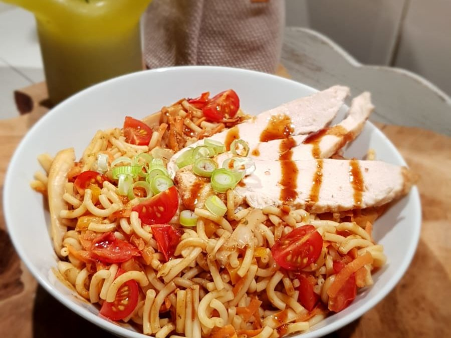 Romige aziatische pasta